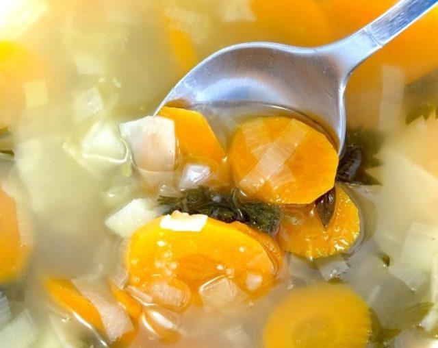 Alimentación en el embarazo-sopa de verduras-Mamás360