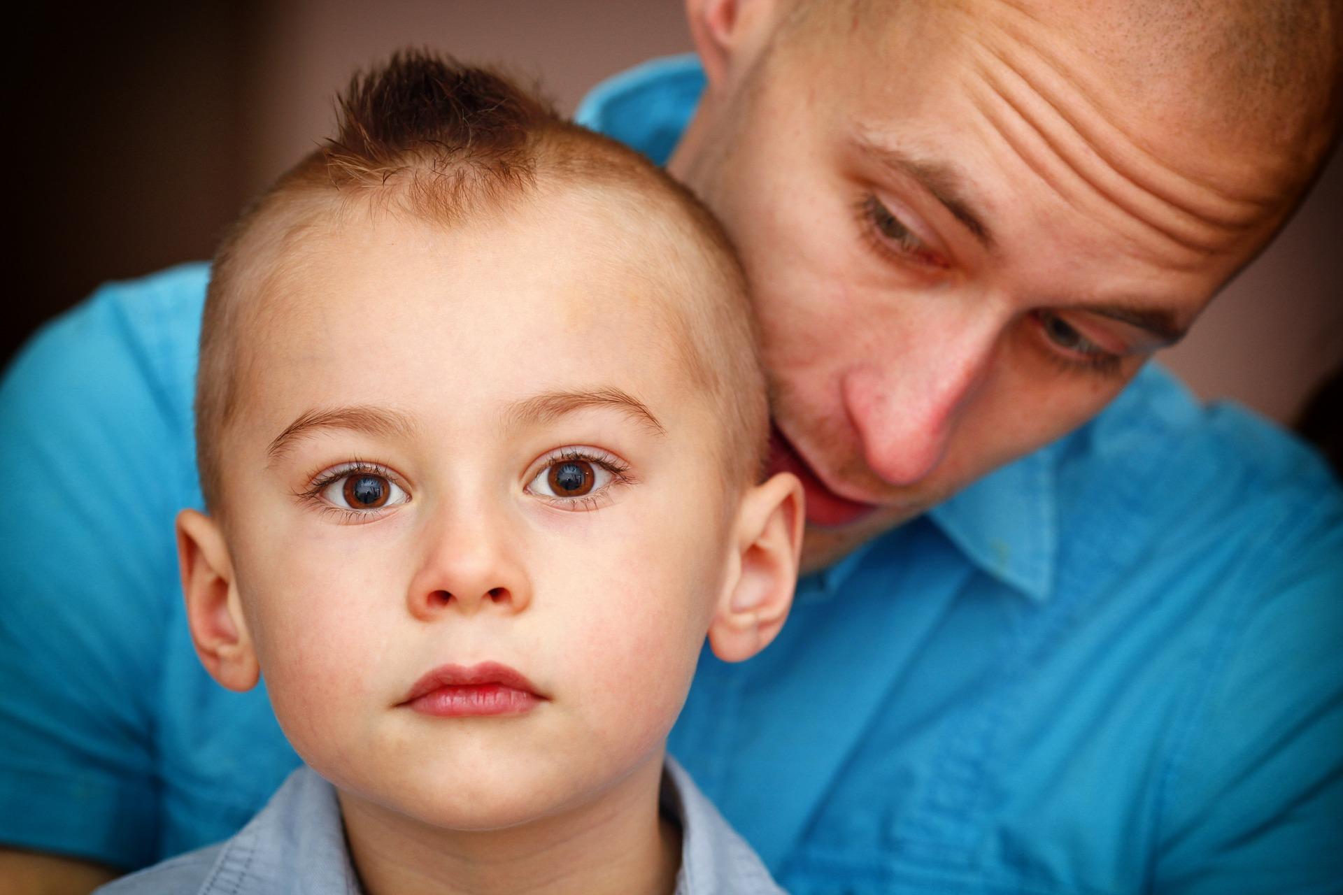 Niños desobedientes-mamas360- Padre com hijo
