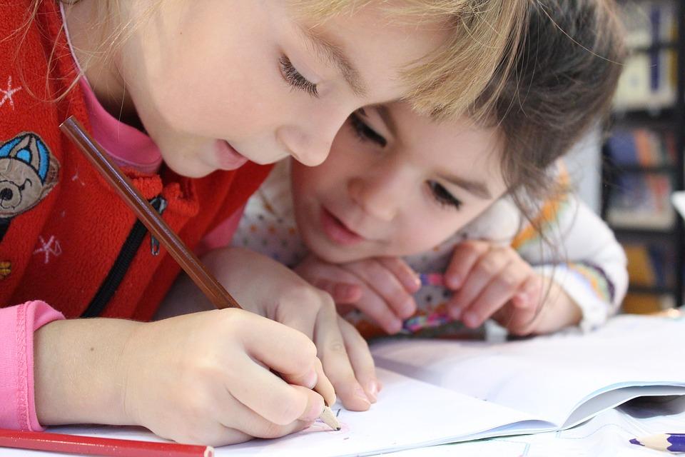 La creatividad-desarrollo niños-Mamás360