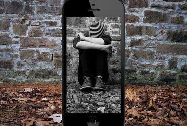 Ciberadicción en tus hijos | ¿Cómo prevenirla y controlarla?