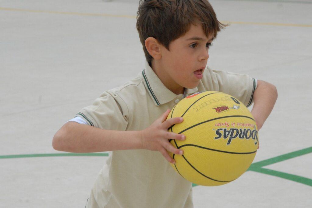 Básquetbol - pubertad - mamás360